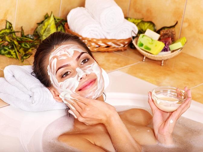 Natural homemade facial masks at home