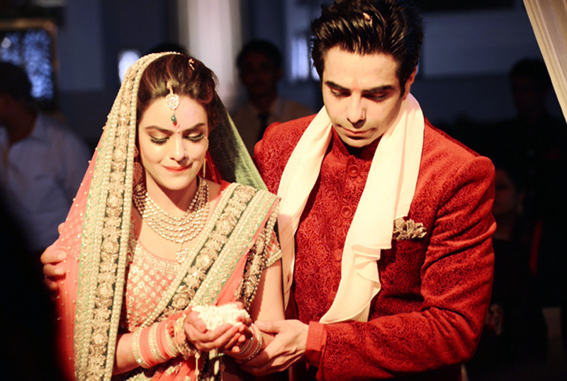 Aparshakti Khurana Wife Aakriti Ahuja taking woes at her wedding.
