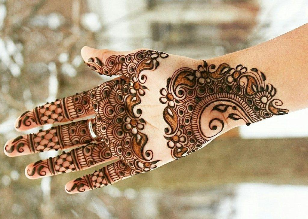 Front hand Mehndi Design 7