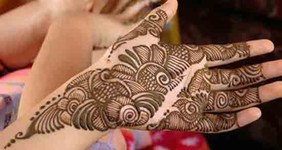 Front hand Mehndi Design 13