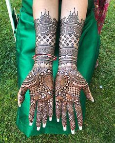 Front hand Mehndi Design 37