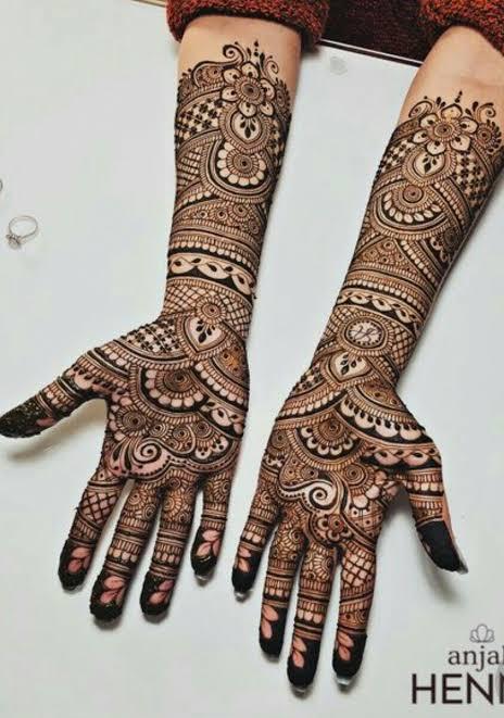 Front hand Mehndi Design 3