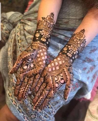 Front hand Mehndi Design 36
