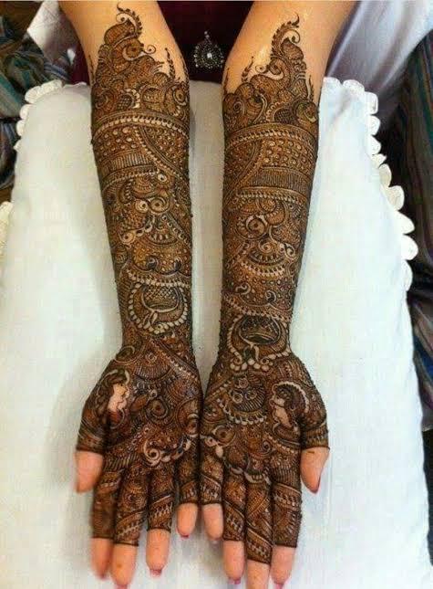 Front hand Mehndi Design 31