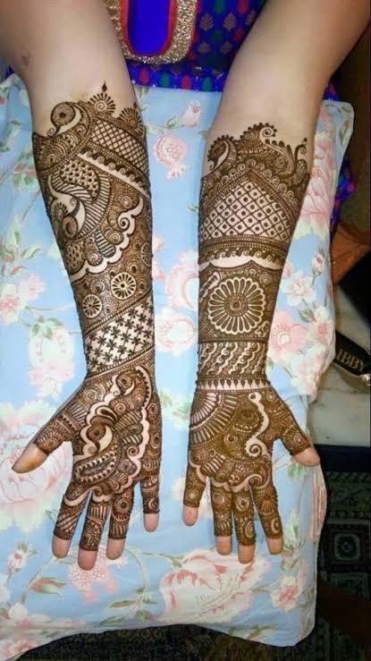 Front hand Mehndi Design 30
