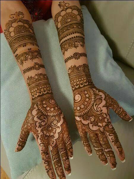 Front hand Mehndi Design 29