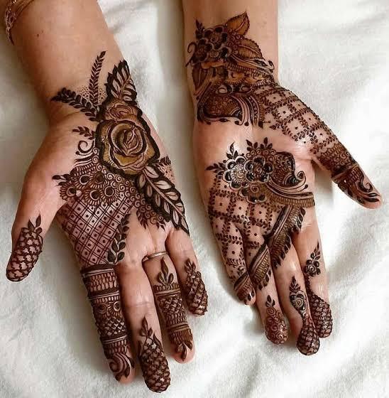 Front hand Mehndi Design 20