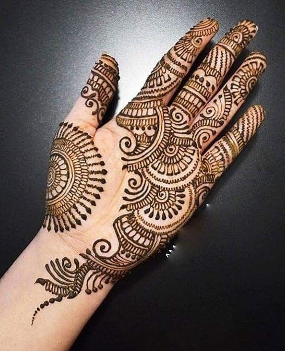 Front hand Mehndi Design 9
