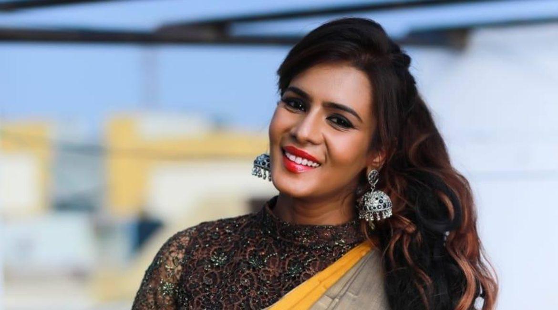 Meera Mithun Full HD Pics