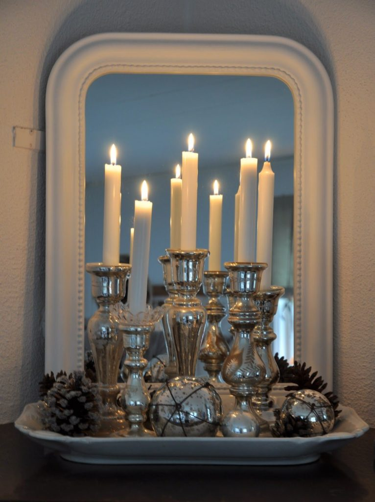 Decoration With Candles Using Mirrors